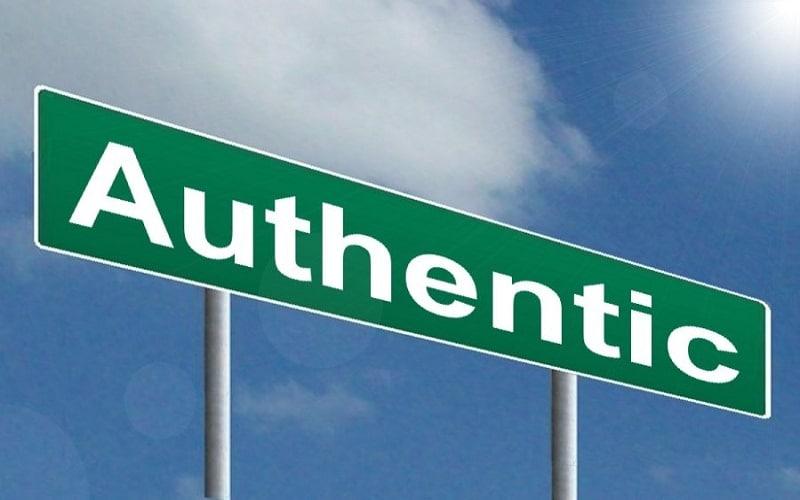 """Hàng Authentic là gì? Phân biệt hàng """"Au""""- Hàng Fake"""