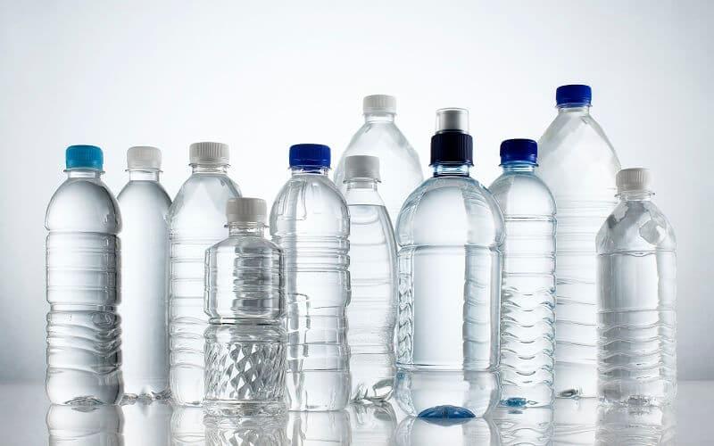 Mỹ phẩm đóng chai nhựa