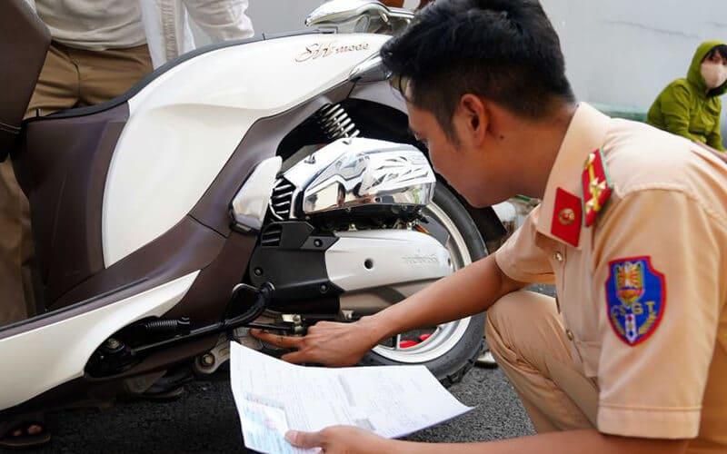 Tại sao phải sang tên xe máy khi mua xe cũ?